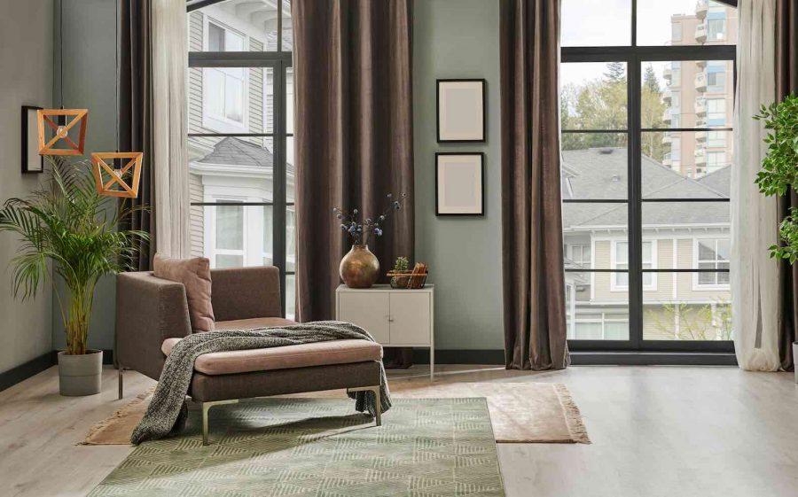 Aposte na sobreposições de tapetes para uma nova decoração